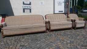 Couch set in Grafenwoehr, GE