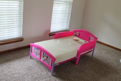 Toddler bed with matress in Bolingbrook, Illinois