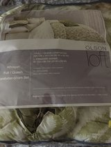 Green and white bed comforter with shams - great condition in Katy, Texas