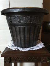 "12"" Planter (plastic/black/silver) in Naperville, Illinois"