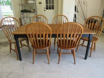 Dining Room table and 6 chairs in Liberty, Texas