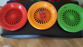 Plastic Paper Plate Holders in Yorkville, Illinois