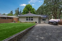 Open House! Charming 3 Bdrm Home w/an over-sized deck + room for RV! in Fort Lewis, Washington
