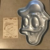 Vintage Donald Duck Wilton Baking Pan w/Insert  EUC in Travis AFB, California