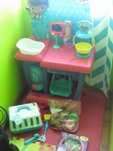 Doc Mcstuffins Vet Center, Pet Vet Carrier set & Extras in Camp Lejeune, North Carolina