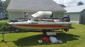 1981 Sport Craft Ski Boat. 15ft Boat, with 50HP Mercury outboard motor. Ready to run! in Fort Leavenworth, Kansas