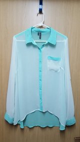 Maurices Mint hi-lo blouse XL $8 in Okinawa, Japan