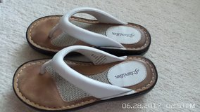 WHITE SUMMER LEATHER SANDALS 5-1/2 SM BY ST.JOHN'S BAY in Aurora, Illinois