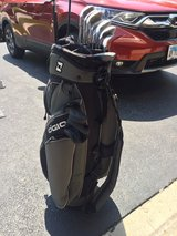 MUST SEE: Mint condition Ogio golf bag with Dunlop clubs in Bolingbrook, Illinois