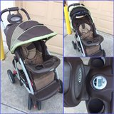 Graco Baby stroller with comfort tracker in Temecula, California