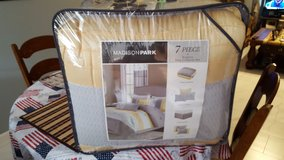 New 7 pieces King size  Comforter set in Fort Polk, Louisiana