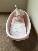 Summer Infant Soothing Spa & Shower - Pink. in DeKalb, Illinois