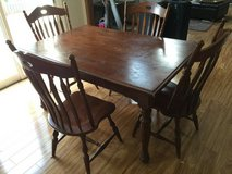 Dinning table and chairs in Joliet, Illinois