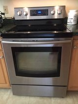 Samsung stainless smooth top stove - $300 in Warner Robins, Georgia
