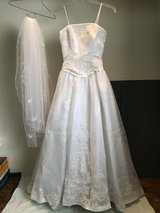 Wedding Dress in Alamogordo, New Mexico