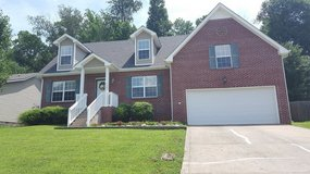 Gorgeous, Pet Friendly Rental in the Exit 1 area - Available beginning of August in Fort Campbell, Kentucky