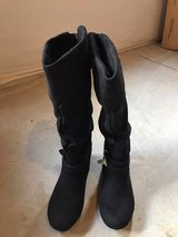 Women's Boots Size 8M Unworn in Fort Carson, Colorado