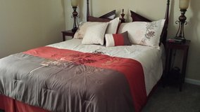 Comforter and shams in Fort Campbell, Kentucky