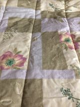 Reversible queen size comforter - barely used in 29 Palms, California