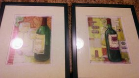 2 wine wall pictures in Fort Benning, Georgia