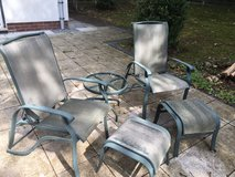 Patio Set (2 reclining chairs, 2 foot stools, small table) in Stuttgart, GE