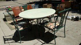 TABLE AND CHAIRS in Joliet, Illinois