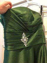 Alfred Angelo Forest Green Bridesmaid Dress/Gown in Tacoma, Washington