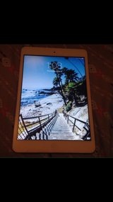 iPad mini (16GB, Wifi only, White/Silver) in Kingwood, Texas