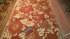 BEAUTIFUL 5 X 7 WOOL AREA RUG in Keesler AFB, Mississippi