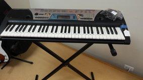 Yamaha PSR-170 keyboard with stand in Naperville, Illinois