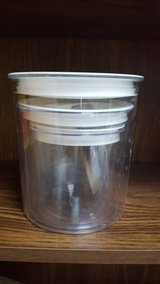 3 piece clear canister set in Shorewood, Illinois