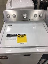 Maytag washer like new!! used nly 1 year in Fort Bliss, Texas