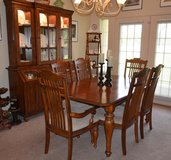 Dining Room Set in Kirtland AFB, New Mexico