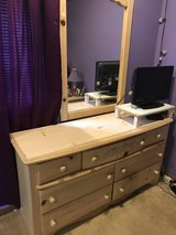 6 piece Bedroom furniture in New Lenox, Illinois