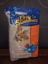 New pack!! Huggies Little Swimmers Disposable Swimpants, Size M (24-34 lb), 11 ct in Houston, Texas
