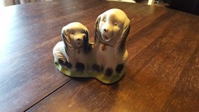 Vintage ceramic dogs in Chicago, Illinois