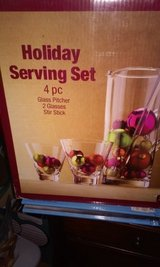 Holiday Serving Set in New Lenox, Illinois