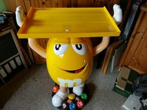 huge M&M 's figurine yellow with tablet on top in Baumholder, GE