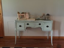 Entry table/buffet table in Beaufort, South Carolina