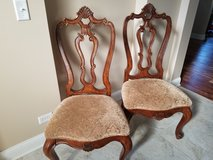 Chairs in Algonquin, Illinois
