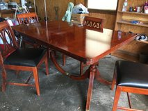 Tables with 5 chair in Fort Leonard Wood, Missouri