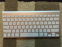 APPLE MAGIC KEYBOARD in Camp Lejeune, North Carolina