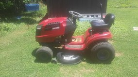 Craftsman riding mower 19.5hp 42 in in Elizabethtown, Kentucky