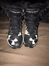 UNDER ARMOUR YOUTH FOOTBALL CLEATS SIZE 1Y in Fort Carson, Colorado