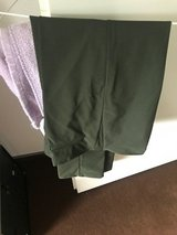 Olive Green Pants in Wiesbaden, GE