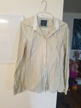 American Eagle shirt Size 12 in Fort Drum, New York