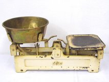 Mid century Kitchen scale Vintage 5 kg scale with brass bowl in Wiesbaden, GE