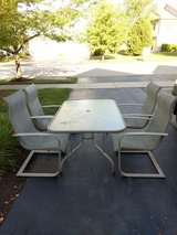 Outdoor Patio Table and Chairs in Joliet, Illinois