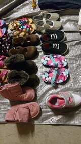 Baby girl shoes 4-6 in Camp Pendleton, California