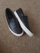 Women's black shoe size 6 in Fort Carson, Colorado